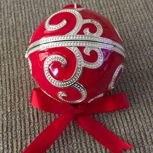 2017 PANDORA RED ROCKETTES ORNAMENT...NEW/BOX